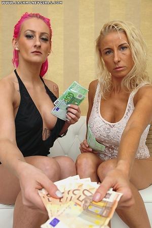 2-ladies-also-zahlst-du-doppelt-2